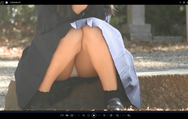 pcolle yuki 驚愕!!乃木坂系の美少女発見!!(FHD)純白パンチラのKちゃん!!大変です!!パンツが見えてますよ特別編25