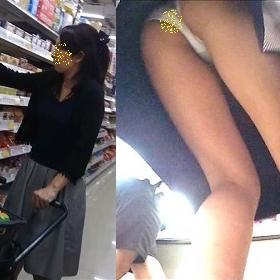 pcolle 虎猫 買い物中の若ママ(生)パンチラ08